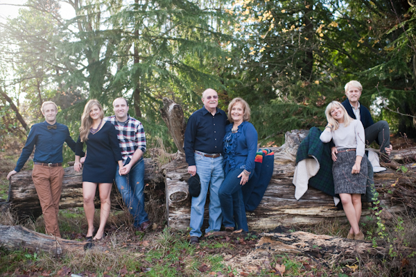 Casual family portrait by Seattle photographer Sally Honeycutt